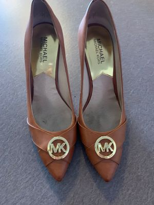 Michael kors shoes size 8,5 for Sale in Willow Springs, IL