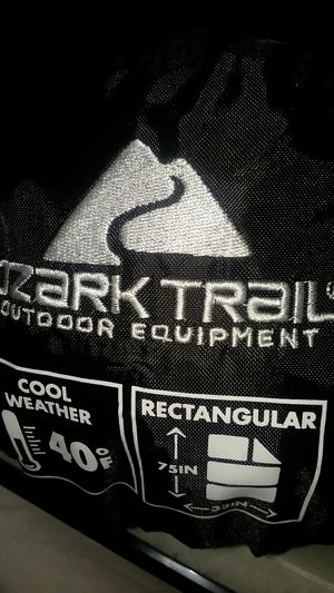 """Ozark Trail climate cool weather Sleeping Bag new 33""""×75"""" for Sale in Lakewood, CA"""