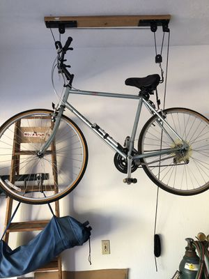 "Schwinn men's bike, 27"", $100.00 firm. {contact info removed} for Sale in Lorain, OH"