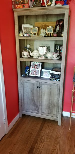 Bookcase cabinet for Sale in Pawtucket, RI
