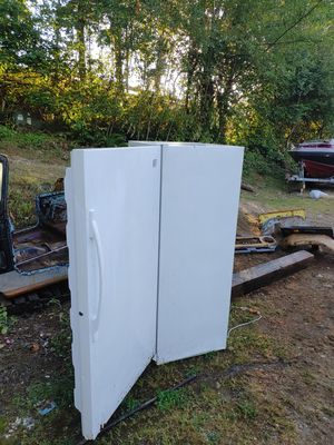 Whirlpool freezer for Sale in Auburn, WA