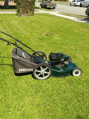 Craftsman 5.50push lawn mower $35 please read below for Sale in West Covina, CA