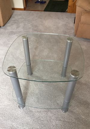 End table for Sale in Galena, OH