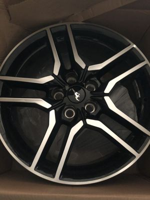 2019 Ford Mustang rims 18' for Sale in Lewisville, TX