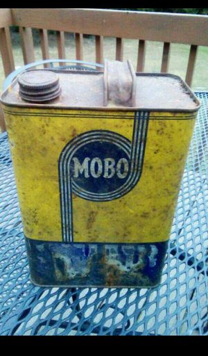 Antique Mobo Can for Sale in Cheshire, CT