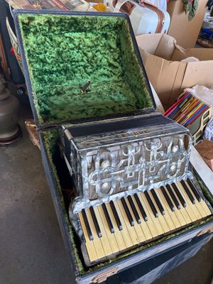 Hohner Vintage Accordion for Sale in Long Beach, CA