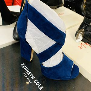 Kenneth Cole marine blue high heels for Sale in Moreno Valley, CA