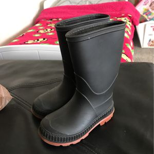 Rain Or Boots for Sale in Las Vegas, NV