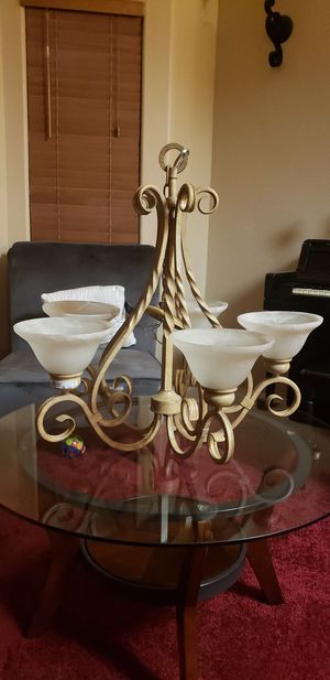 Minka Lavery5 Lamp Chandelier for Sale in Sanger, CA