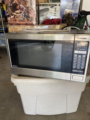 Panasonic 1200W microwave for Sale in Oklahoma City, OK