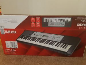 Mint condition Yamaha piano 61 keys for Sale in Phillips Ranch, CA