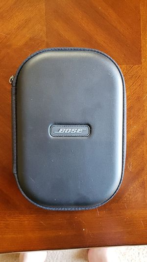 Bose qc35 ii Noise cancelling over the ear headphones for Sale in UPPER ARLNGTN, OH