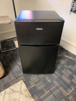 Mini fridge for Sale in Newton, KS