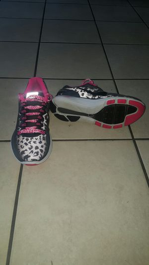 Nike shoes for women size 7 and 1/2 for Sale in Renton, WA