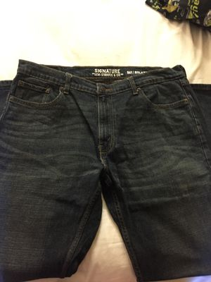 Signature Levi jeans for Sale in Columbus, OH