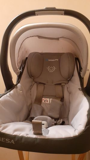 Uppababy Car Seat for Sale in Charlotte, NC
