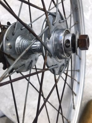 Early high flange GT sealed racing hub for Sale in La Puente, CA