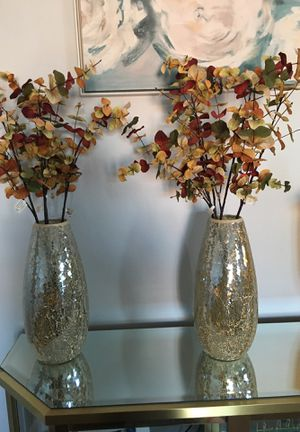 2 beautiful vases with flowers for Sale in Morton Grove, IL