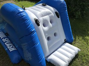 Like new Kool splash slider for age 6 and up for Sale in Port Charlotte, FL