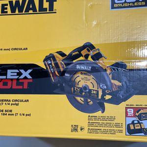 DEWALT. FLEXVOLT. 60Volt. MAX. Brushless 7-1/4 in. Cordless Circular. Saw. with Brake Kit for Sale in Phoenix, AZ