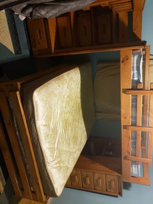 Full sized bunk bed for Sale in Dearborn, MI