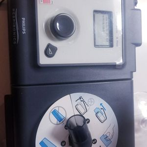 Cpap Breathing machine..has humidifier..like new! for Sale in Oakdale, CA