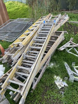 Extensión Ladders good condition for Sale in San Diego, CA