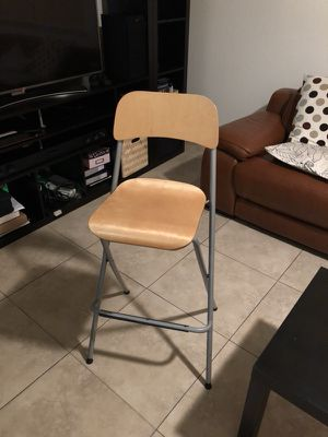 Set of 4, foldable stools, bar height for Sale in Miami, FL