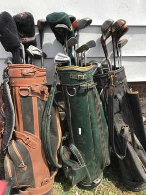 Golf clubs n tote bags for Sale in Cleveland, OH