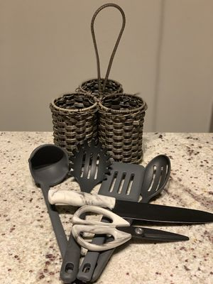 Kitchen utensil set and 3 pouch holder for Sale in Irving, TX