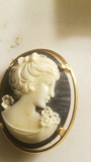 Napier Cameo Gold for Sale in New Freedom, PA