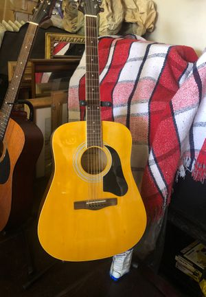 Silvertone that gives off platinum sounds ! for Sale in Lompoc, CA