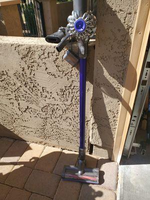 Dyson cordless vacuum for Sale in Queen Creek, AZ