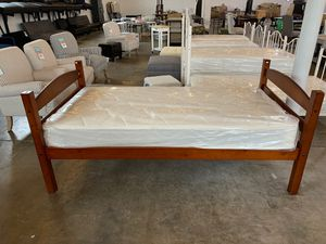 Wooden twin platform bed frame for Sale in Dallas, TX