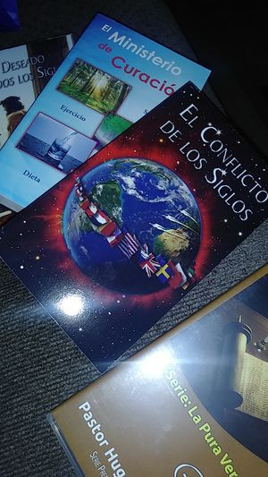 3 books & 1 dvd for Sale in San Dimas, CA