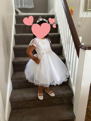 Baptism dress with hair accessory and shoes for Sale in Belleville, NJ