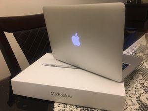 MacBook Air 13' 2017 for Sale in Arlington, VA