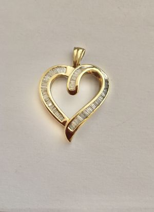 14k large 54 diamond baguettes heart pendant for Sale in Beverly Hills, CA