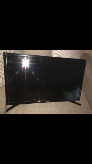 """""""30"""" inch Samsung Smart TV Never Used Open Box for Sale in Miami, FL"""