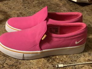 Women's size 7 Nike court royale for Sale in Galloway, OH