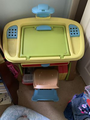 Kid desk/easel for Sale in Pittsburg, CA