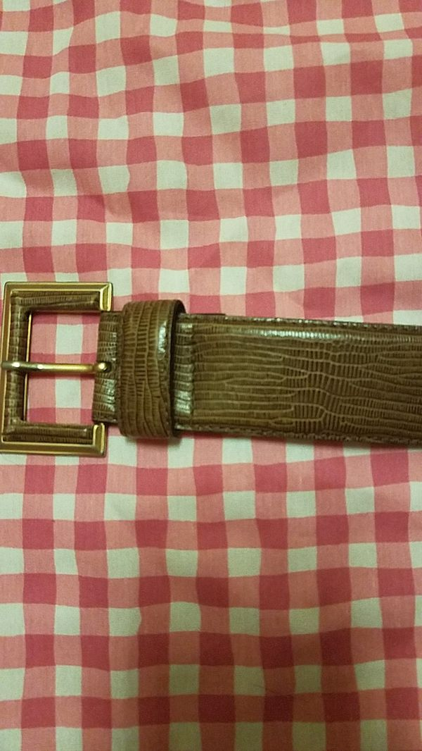 Max Mara belt for women belt size 42 price negotiable