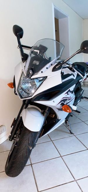 Yamaha FZ6R 2009. Miles 5200.! Excelent Condition! for Sale in Orlando, FL