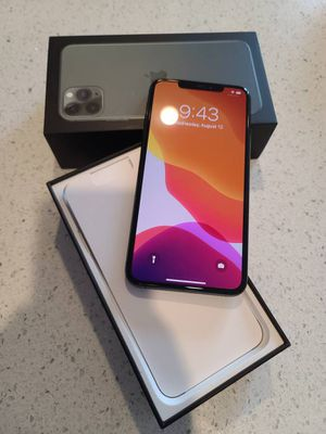 Apple iPhone 11 pro max 256gig Unlocked for Sale in Los Angeles, CA