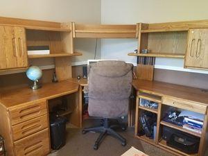 Corner wood computer desk for Sale in Woods Cross, UT