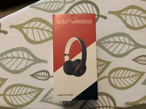 Beats Solo3 Wireless Headphones. Club Navy. Brand new. for Sale in Bloomfield Hills, MI
