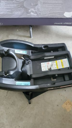 Car seat base. Free for Sale in Valrico, FL