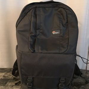 Lowepro Camera Backpack for Sale in North Arlington, NJ