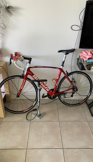 Bianchi full carbon road bike 57 58 for Sale in Miami, FL