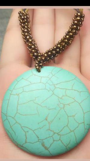 """Beautiful Tibet Jewelry Round Turquoise Pendant Dangle Necklace 16""""inch for Sale in Richmond, CA"""